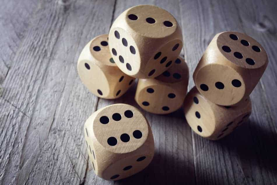 6 Great Dice Games To Play In Your Backyard